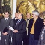 Gérard Collomb, sénateur maire de Lyon, à l' exposition salle molière de Lyon en 2004